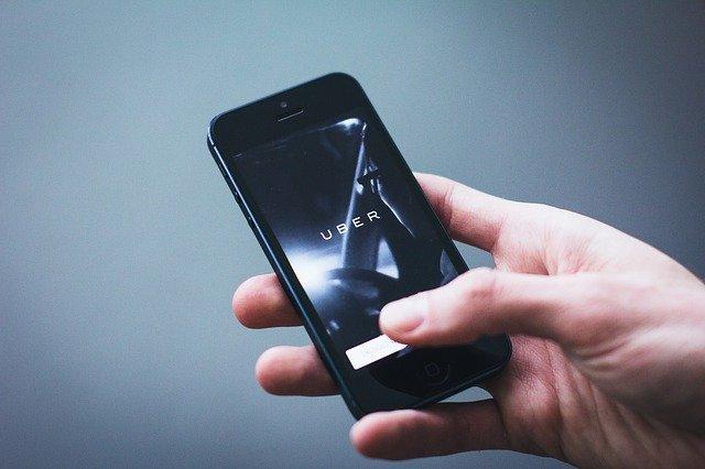 Uber ou Aluguel de Carro: Qual o Mais Barato?